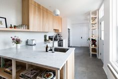 cocina con baldosas hexagonales - Antes y después de la reforma de 5 cocinas (III)