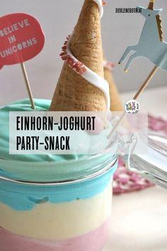 Regenbogenfarbig und richtig gut: das Einhornjoghurt ist ein toller Party Snack, aber auch ein echt schönes Dessert. Schon beim Zubereiten machen die Farben Stimmung!