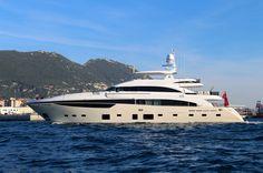 M/Y X5   The Princess 40M, M/Y X5, with her elegant cream hull #superyacht #mclass #megayacht #luxury #yacht #yachtdesign Princess Yachts, M Class, Yacht Design, Super Yachts, Luxury Yachts, Luxury Life, Sailing, Ships, Boat