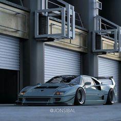 Ferrari F40LM..