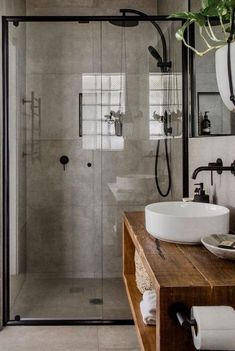 marble, concrete, white, black and natural textures. Floating vanity and double sink master bathroom bathroom layout. Bathrooms Remodel, Rustic Bathroom Designs, Bathroom Interior Design, Bathroom Decor, Trendy Bathroom, Bathroom Design, Industrial Style Bathroom, Small Bathroom Remodel, Bathroom Layout