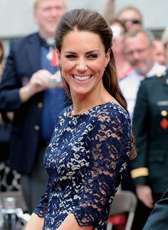 Kate Catherine Middleton Duchess of Cambridge. Love this picture for Kate Middleton. Princesse Kate Middleton, Herzogin Von Cambridge, Before Wedding, Kate Middleton Style, Prince William And Kate, Royal Fashion, Windsor, Her Style, Beautiful People