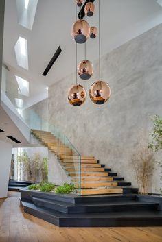 Amazing Luxury Interior Design That Will Make Your Home Inspiration - Decoration Luxury Staircase, House Staircase, Modern Staircase, Home Stairs Design, Dream Home Design, Modern House Design, Design Living, Modern Houses, Luxury Interior Design