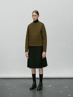 Frock And Frill, Fashion Pants, Girl Fashion, Womens Fashion, Fashion 2020, Fashion Brand, Normcore, Minimal Fashion, Apparel Design