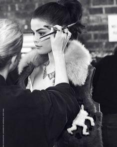 Selena Gomez in the backstage for Coachs Spring/Summer 2018 campaign  @selenagomez en los bastidores para la campaña Primavera/Verano 2018 de Coach  #SelenaGomez #Selena #Selenator #Selenators #Fans