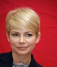 there's not a short haircut michelle williams has ever worn that i don't love plus we have the same shape face (mine far fatter and saggier)