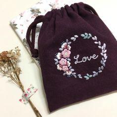 그동안 주문제작에 허덕이느라... 오랜만에 새로운작업 . . . . #꽃보다자수 #embroidery #자수파우치 #춘천프랑스자수 #프랑스자수 #프랑스자수파우치