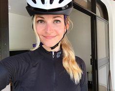 Julia Favero | So today I'm 28. And I'm sunburnt. Oops. ♀️❤️☀️