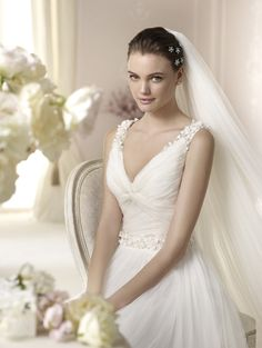 Style * DALINA * » Wedding Dresses » White One 2015 Collection » by San Patrick (close up)