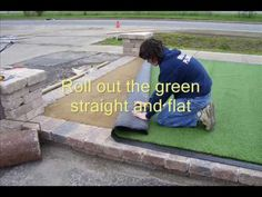 Helpful Golf Tips That Make You Better. Photo by D-Stanley Not sure what golf is all about? Outdoor Putting Green, Golf Putting Green, Golf Green, Artificial Putting Green, Artificial Turf, Golf Room, Used Golf Clubs, Miniature Golf, D House