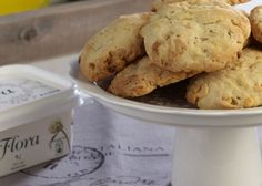 Cookies με πορτοκάλι, lime & φουντούκια