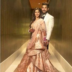 Kishwer-Merchant-reception-outfit