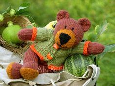 Knitted Toys: Tom Teddy Bear