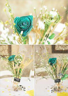 Turquoise Flower Arrangements http://yesidomariage.com - Conseils sur le blog de mariage