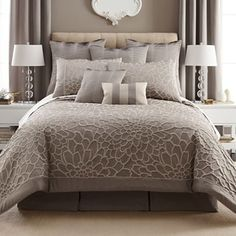 Liz Claiborne Kourtney Comforter Set
