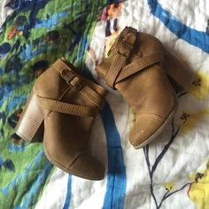 """Lauren Conrad Booties Pre-loved LC Lauren Conrad ankle booties. These were my ultimate go-to booties, and you can tell by the amount of wear. These would be great for beater boots to wear to a music festival! Comfortable and ready for more action! 3.5"""" heel, inner zippers. I'm a 5.5/6 and these fit comfortably. LC Lauren Conrad Shoes Ankle Boots & Booties"""