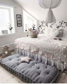 Teen girl bedrooms, check this trick for a surprising superb bedroom design, make-over number 8928039895 Couple Bedroom, Small Room Bedroom, Trendy Bedroom, Cozy Bedroom, Modern Bedroom, Bedroom Decor, Bedroom Ideas, Bed Room, Small Rooms