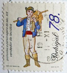 beautiful stamp selo Portugal postage 78 esc clothes salesman