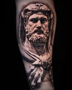 Angel Statues Looking Up - - Ancient Statues India - Dragon Statues Garden - Statues Face Aesthetic - Marble Statues Sketch Tatouage Hercules, Hercules Tattoo, Zeus Tattoo, Statue Tattoo, Leg Tattoos, Arm Band Tattoo, Tattoos For Guys, Sleeve Tattoos, Tatoos