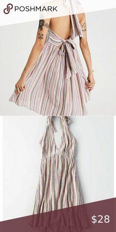 Shop Women's American Eagle Outfitters Cream Blue size XXL Dresses at a discounted price at Poshmark. Hawaiian Summer Dresses, Flowy Summer Dresses, Beach Dresses, Nice Dresses, Casual Dresses, Seersucker Dress, Gingham Dress, Burgundy Sweater Dress, Rose Print Dress