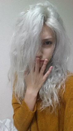 """crydaisy: """"ill-eat-your-heart-out: """" hair whiter than my bedroom walls """" THIS IS THE DREAM UGH TELL ME THE SECRETS """""""