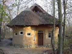 A straw bale house in Oxford.... Michigan!