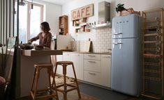 Decorando com a Si : Cozinhas gostosas Lyon, Charlotte, Beautiful Kitchens, Decoration, Living Room, Table, Furniture, Closet, Design