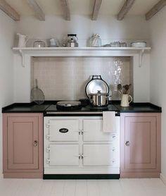 """Gefällt 659 Mal, 9 Kommentare - Home & Garden (@buttermilk.rose) auf Instagram: """"Loving the cupboards and subtle pink tiles...🍥🍥🍥📷: @pinterest #kitcheninspo  #pink #aga"""""""