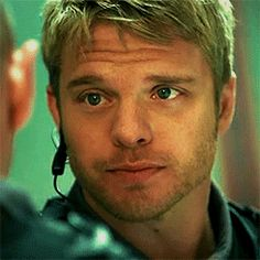 gif sometimes moving pic is best..even if its just a lil bit...mmmm david...