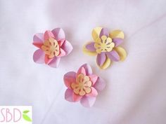 Fiori di carta New style tutorial e modelli - Paper flowers New Style templates - Paperblog Tutorial, Stud Earrings, How To Make, Handmade, Design, Style, Strands, Swag, Stylus