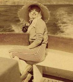 Rare photo of Marilyn in Puerto Penasco (on a trip with Joe DiMaggio) ~ Joe Dimaggio, Norma Jean Marilyn Monroe, Marilyn Monroe Photos, Howard Hughes, Rare Pictures, Rare Photos, Puerto Penasco, Norma Jeane, Old Hollywood