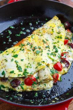 Mediterranean Omelette Recipe : A quick, easy and satisfying omelette they is brimming with tasty Mediterranean inspired flavours! Mediterranean Omelette Recipe, Mediterranean Breakfast, Easy Mediterranean Diet Recipes, Mediterranean Dishes, Mediterranean Seasoning, Italian Breakfast, Egg Recipes, Brunch Recipes, Breakfast Recipes