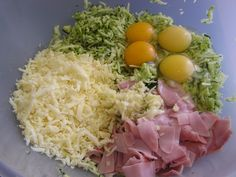 Cuketový slaný koláč (fotorecept) - obrázok 3 Cobb Salad, Ale, Cabbage, Grains, Eggs, Vegetables, Breakfast, Food, Basket
