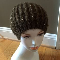 GRAY BY SAKS FIFTH AVENUE  SPARKLE  SLOUCHY HAT Adorable Saks slouchy acrylic knit hat has wear Saks Accessories Hats