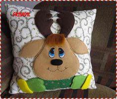cojines manualidades navideñas frisavil Cute Christmas Ideas, Christmas Clay, Christmas Projects, Kids Pillows, Throw Pillows, Diy And Crafts, Christmas Crafts, Pillow Fight, Felt Ornaments