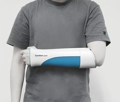 Comfort Cast is a wearable technology in disguise, it's a smart air-pressure cast which also connects to your social network accounts and is able to display greetings on an e-ink display cover.