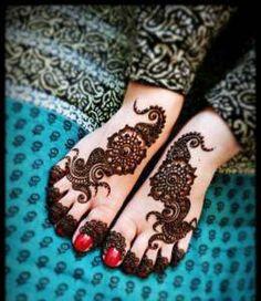 Trendy Mehandi Design for Feet