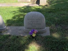 Linda Porter Headstone ( wife of Cole Porter ) by raybell1300, COLE is buried right next to her but the picture only shows her stone marker. Cole Albert Porter (June 9, 1891 – October 15, 1964) was an American composer and songwriter. Born to a wealthy family in Peru,Indiana.