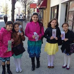 New Jersey USA - Young ones that know God's name is Jehovah sharing Bible based literature with others! -Jw.org