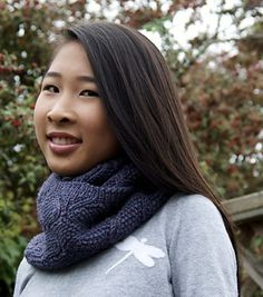 Finial Reversible Cowl by Quenna Lee. malabrigo Worsted.