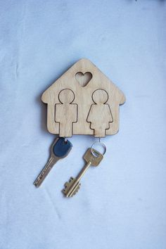 Wooden key holder, wooden key chain, handmade,men and women, moving in gift, gift for couple, Valentine's Day present, for her, for him