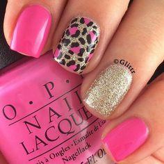 Glittery Leopard Mnicure.