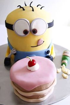 My favourite Minion Cake idea on Pinterest at the moment. He has the most adorable expression!
