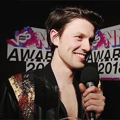 James Bay 2018. What a babe.