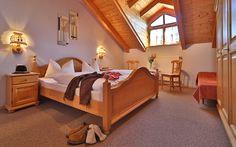 Geräumiges Schlafzimmer in der Ferienwohnung Weber im BAyerischen Wald