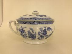 Booths Georgian Shape Blue willow Silicon China England Chamberpot