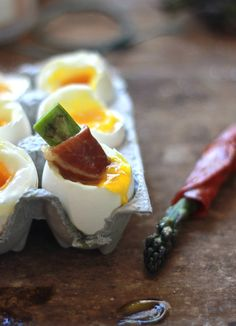 soft-boiled eggs with asparagus soldiers | The Clever Carrot