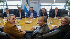 Alfonso Prat-Gay dijo que con la CGT no se acordó absolutamente nada Se tomó nota de los reclamos - LA NACION (Argentina)