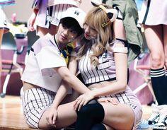 JeongMo - Jeongyeon&Momo (정연×모모) Extended Play, Nayeon, Got7, Sana Minatozaki, Dahyun, Twice, Hirai Momo, Korean Entertainment, G Friend