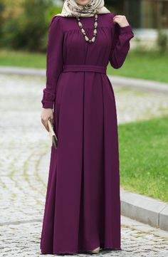 Şahsenem Robalı Elbise – İndigo The clothing culture is very old. Prom Dresses With Sleeves, Modest Dresses, Casual Dresses, Mode Abaya, Mode Hijab, Indian Designer Outfits, Designer Dresses, Abaya Fashion, Fashion Outfits